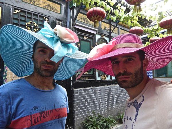 Каково путешествовать гей-паре по Азии. Реальный опыт 18-месячного трипа