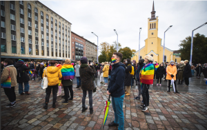 ФОТО ⟩ В Таллинне прошла демонстрация за всеобщее право на брак