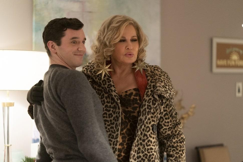 Netflix показал кадры из своей первой рождественской гей-комедии